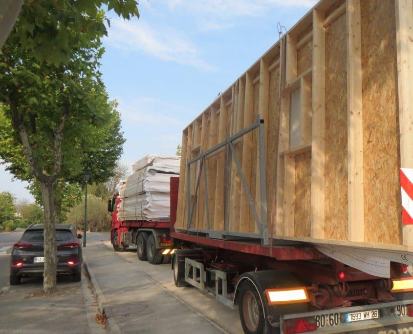 Arrivée de la structure bois du bâtiment 1